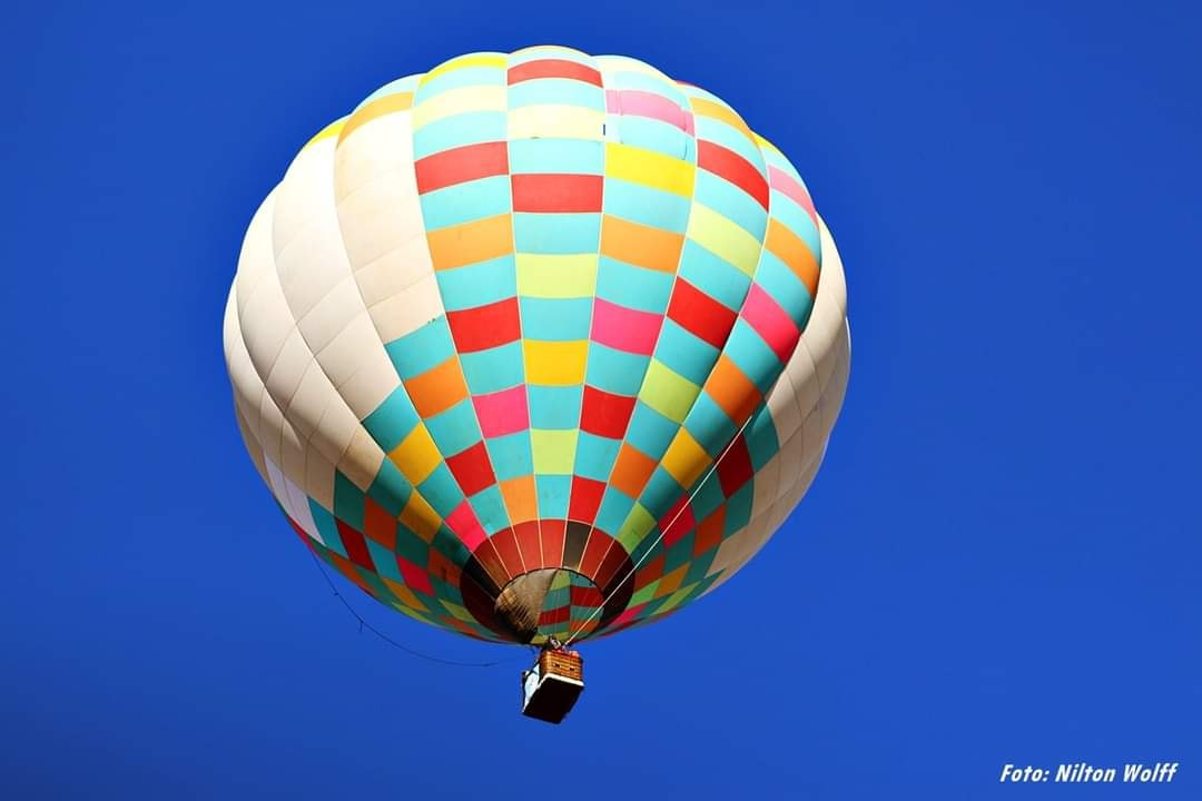 Lages midia Balão na Coxilha Rica