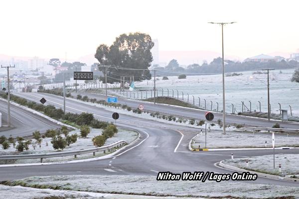 Geada intensa  Geada embeleza o amanhecer em Lages -  Tendência de neve para julho  03/08/2021 16:49:50