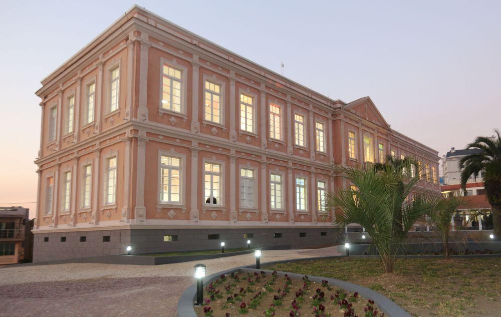 Centro Cultural Vidal Ramos  - Esse lugar tem uma arquitetura restaurada que retrata em muito a história da cidade. Prédio imponente e ao mesmo tempo aconchegante. Hoje abriga atividades importantes a uma sociedade civilizada, como aulas de música, dança e uma pequena biblioteca.