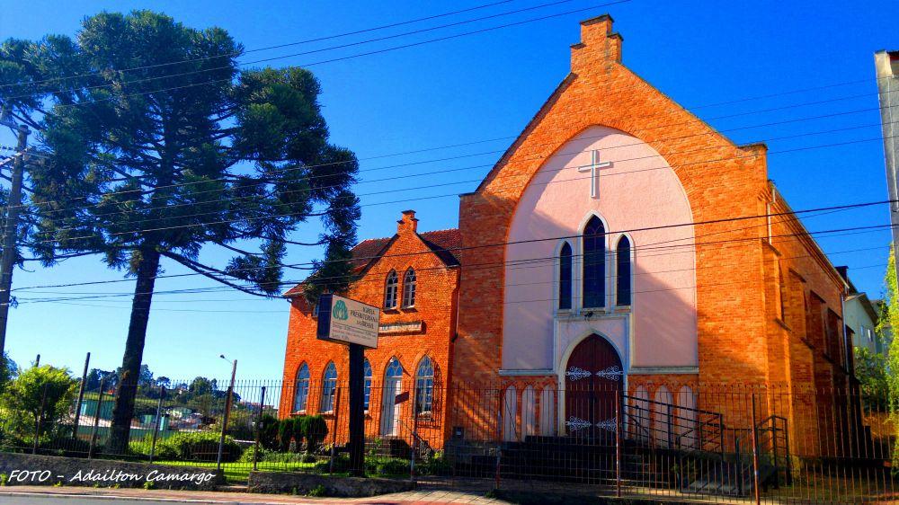 Igreja Presbiteriana - Primeira igreja depois da Católica a estabelecer-se em Lages.